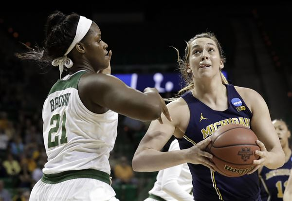Baylor routs MI for 10th straight Sweet 16 bid