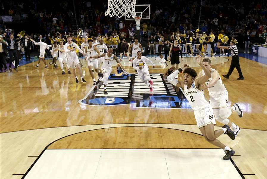 Ranking the 16 Remaining Teams Left in the NCAA Tournament