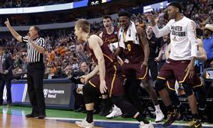 NCAA-Loyola-Chicago-Tennessee-Basketball