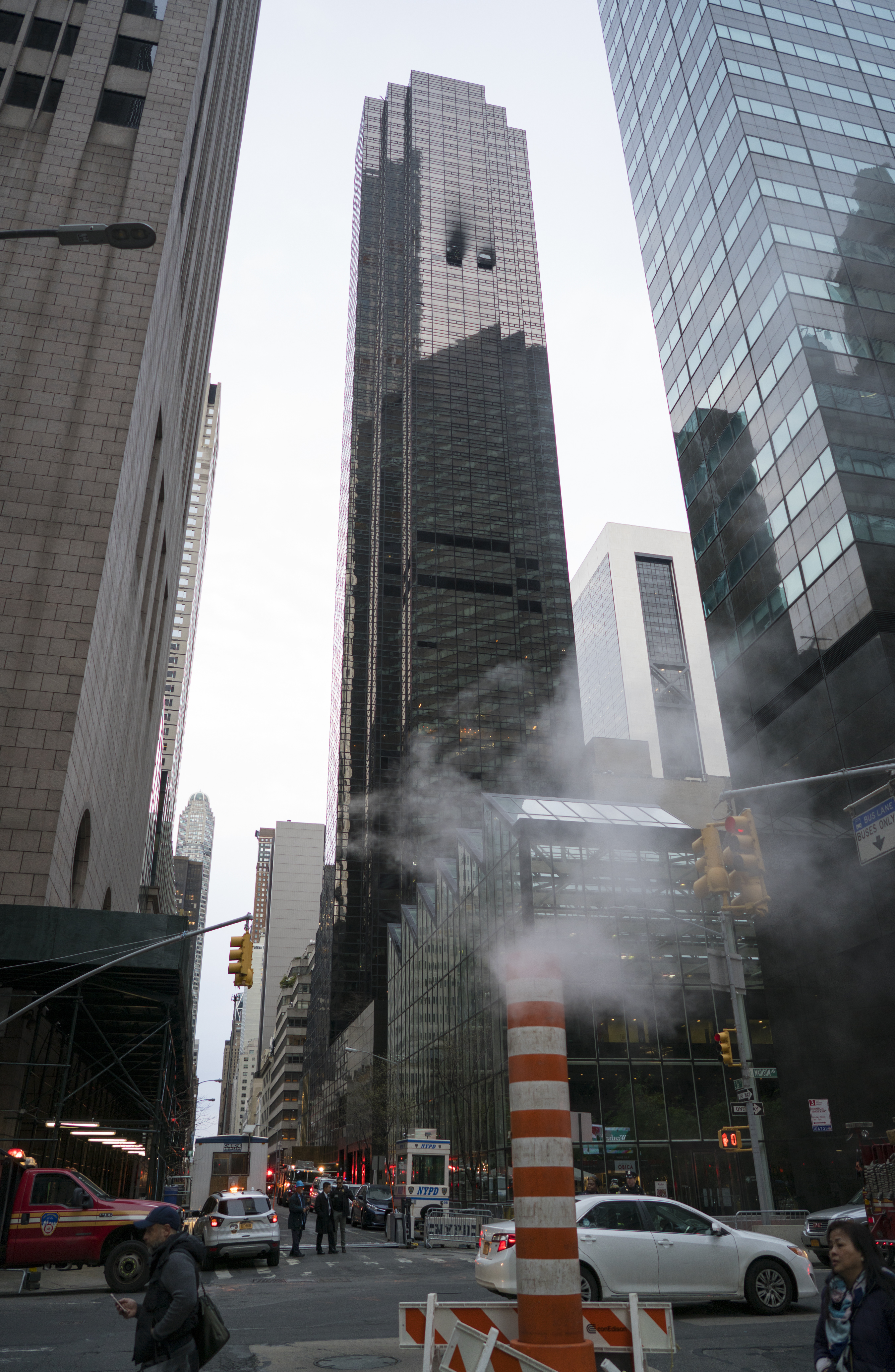 Man Killed In Fire At Trump Tower In New York The Blade
