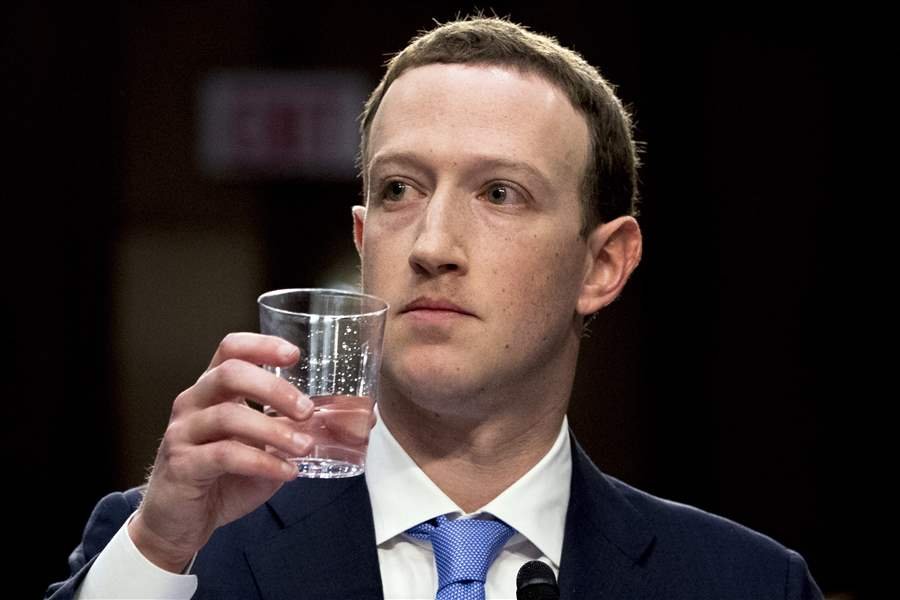 Facebook-Privacy-Scandal-Congress-8