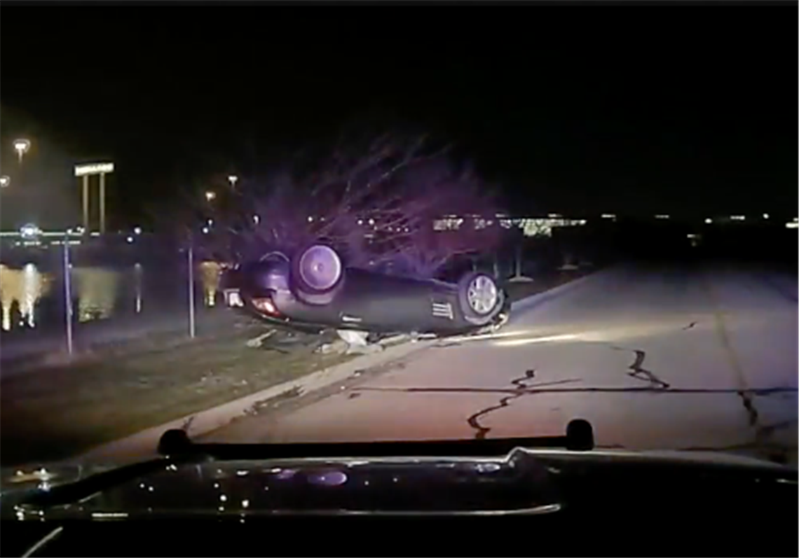 Officer commended for actions during double fatal crash in