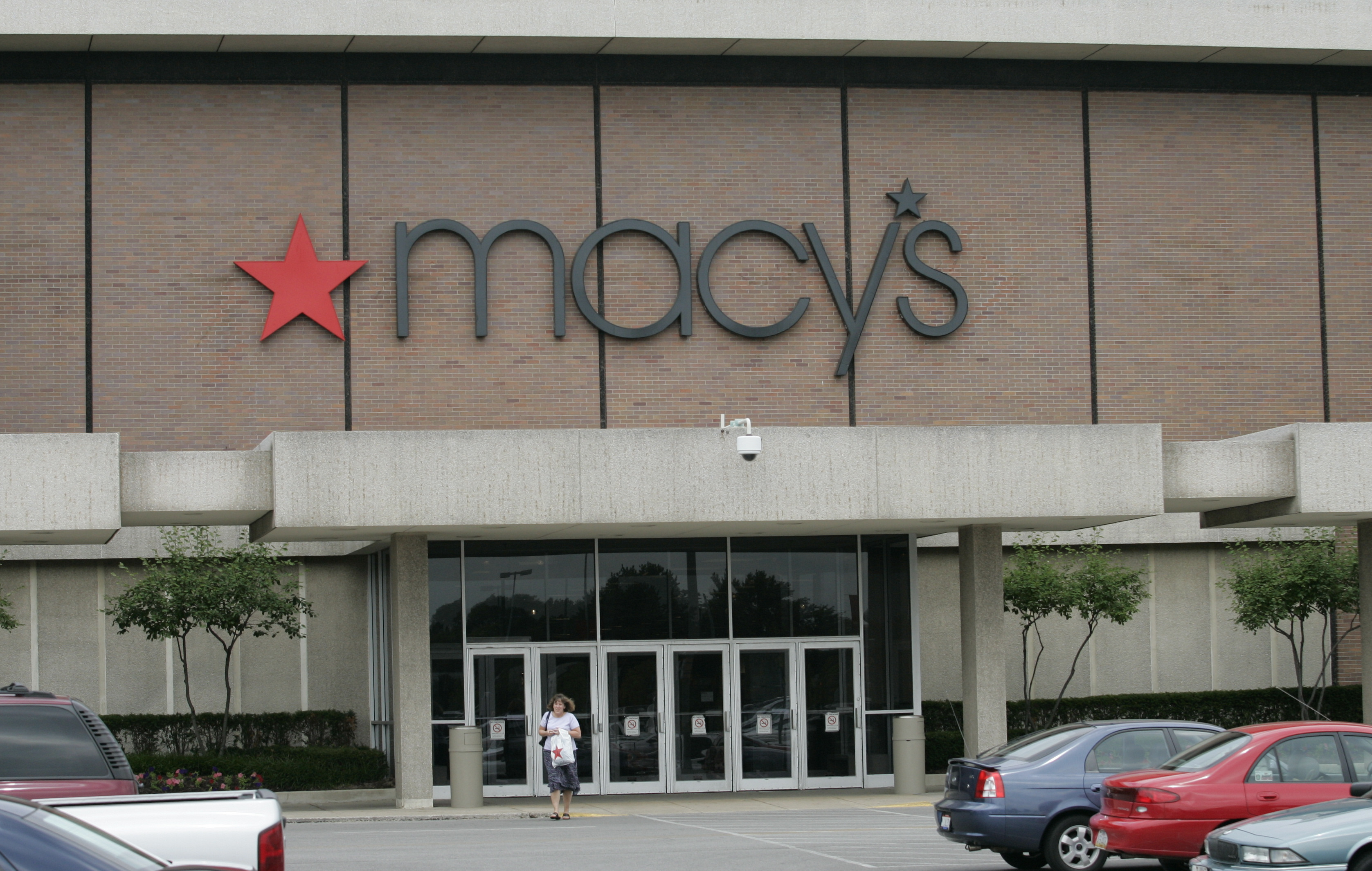 Macy's to open discount outlet store within a store at ... - photo #28