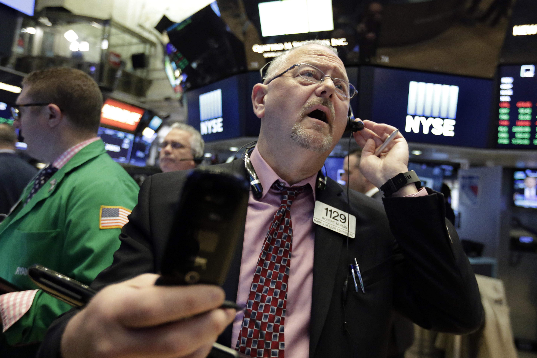 U S stocks end choppy day slightly lower amid trade jitters The Blade