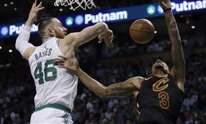 Cavaliers-Celtics-Basketball-2-10