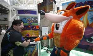 Activision-s-Crash-Bandicoot-Spyro-and-Sekrio-Shadows-Die-Tw