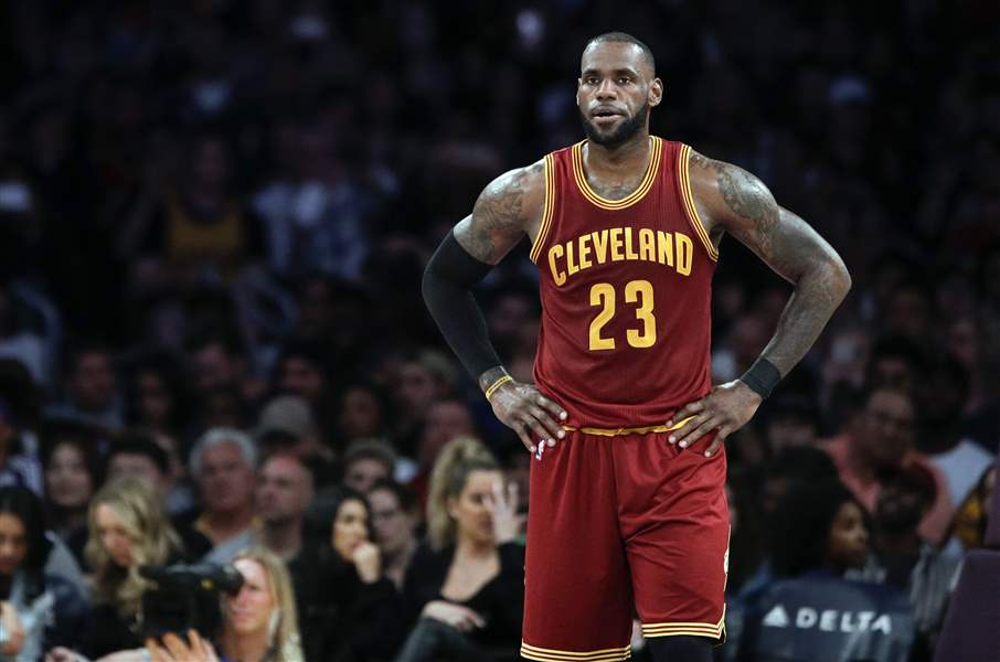 LeBron James to sign $154-million, four-year deal with Lakers