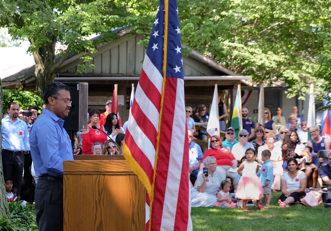 77 celebrate Fourth of July by being sworn in as American citizens