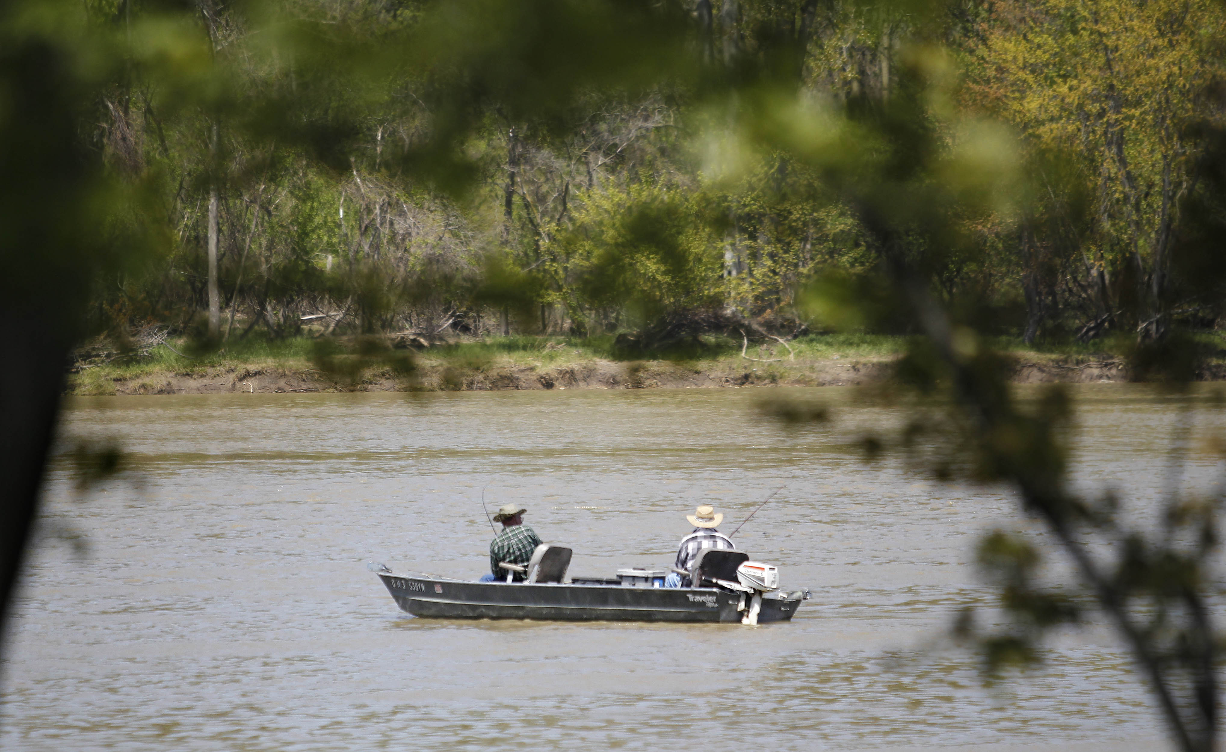 Blade fishing report catfish abound in maumee river the for Maumee river fishing report