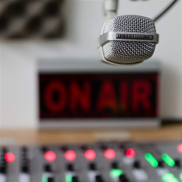 Library-On-Air-Sign-Microphone-1-jpg