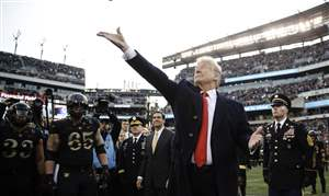 APTOPIX-Trump-Navy-Army-Football-1