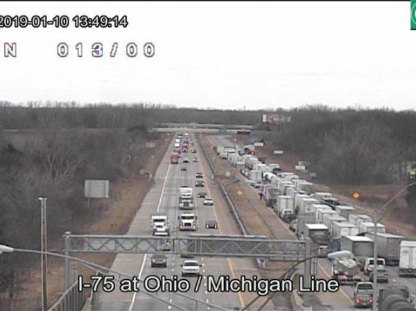 I-75 north closed near state line for crash - Toledo news