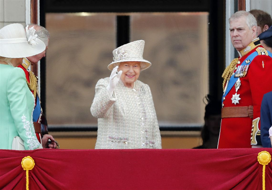 Queen Elizabeth marks official birthday with parade, planes