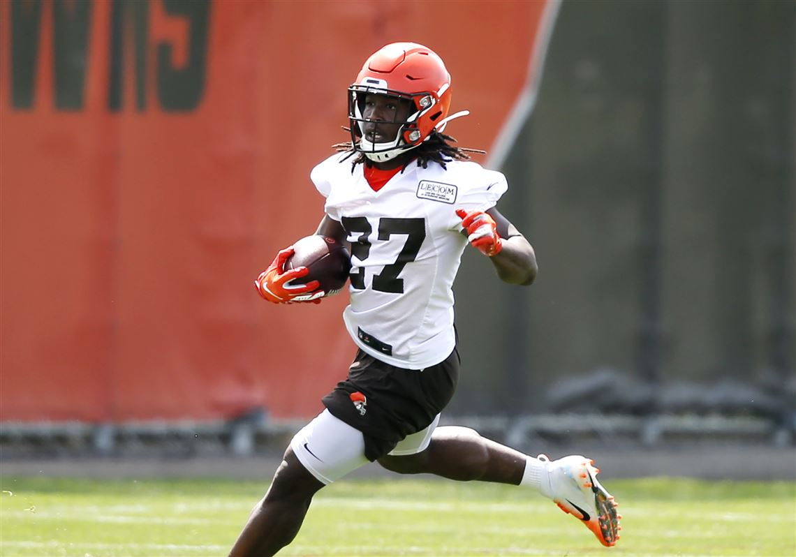 newest 4a4dc f899d Kareem Hunt makes first practice with Browns | Toledo Blade