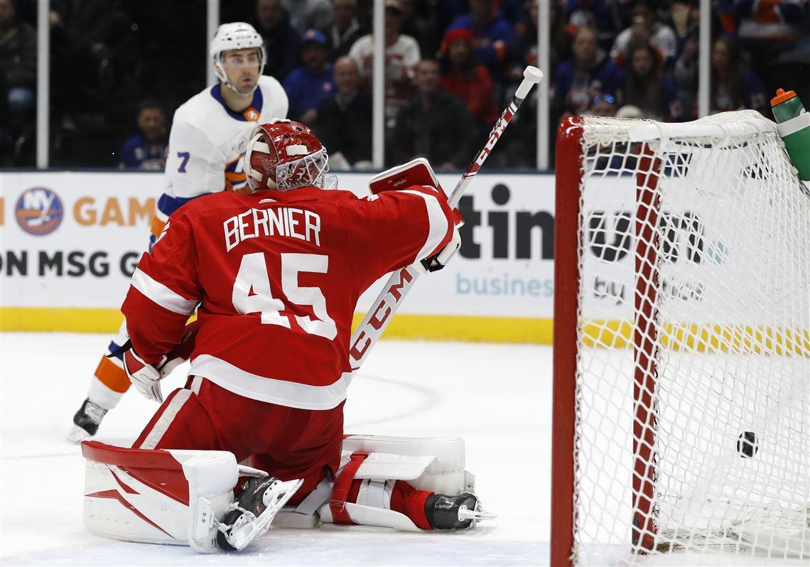 Red-Wings-Islanders-Hockey-54.jpg