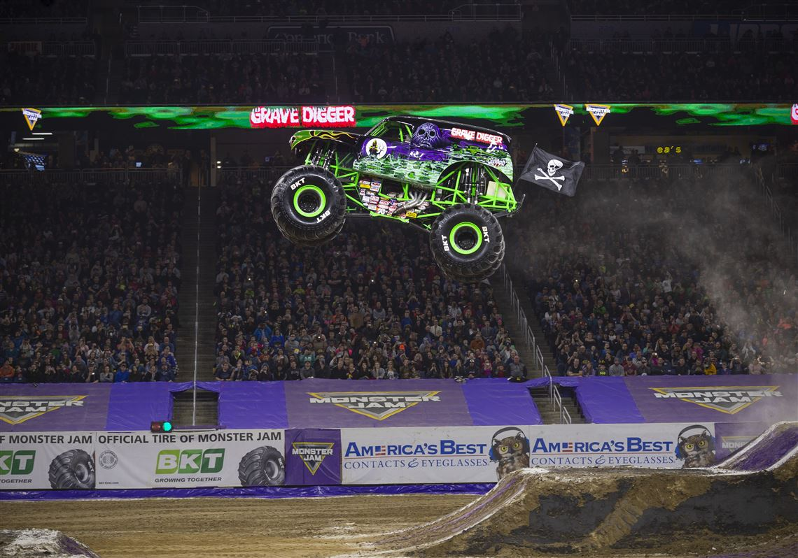 Beating The Boys Grave Digger S First Female Driver Aims To Win At Monster Jam The Blade